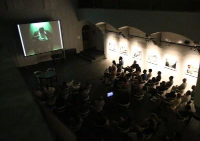 Predavanja in pogovori v Atriju ZRC (2014) / Lectures and panel discussions at ZRC Atrium (2014) (foto/photo: Mihaela Majerhold-Ostrovršnik)