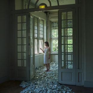 serija madžarske umetnice in fotografinje Anne Tihanyi